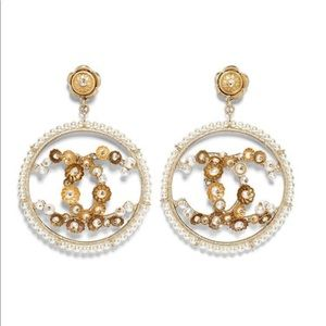 Chanel Earrings Gold & Pearly White